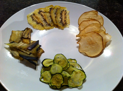 Dried in the dehydrator: (from top clockwise) kiwi, Bartlett pear, zucchini (courgette), eggplant (aubergine)